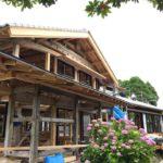 無断熱の馬屋とパッシブリノベの母屋が並ぶ築150年古民家再生