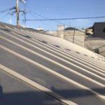 「パッシブスタンダード」   《牟礼岡の家》 シルバーメタリックの屋根